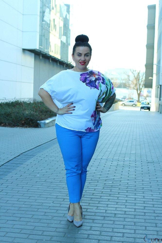 Biało-fioletowa Bluzka FLORIZ Plus Size