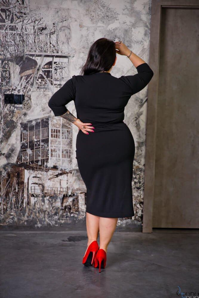 Czarna Sukienka FERRERA Plus Size