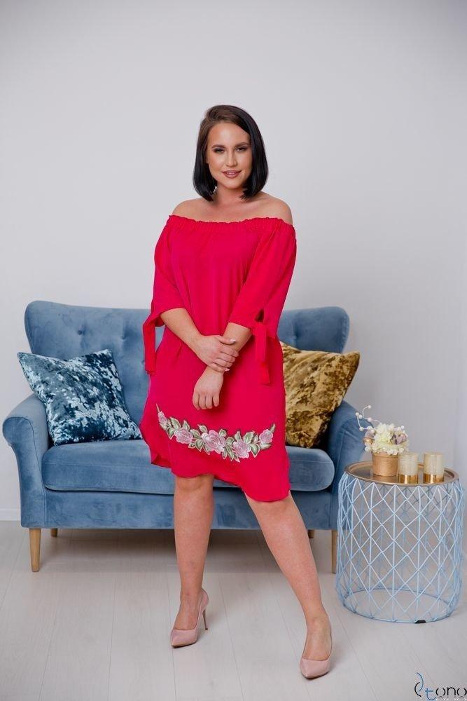 Czerwona Sukienka ESMARA Plus Size Haftowana
