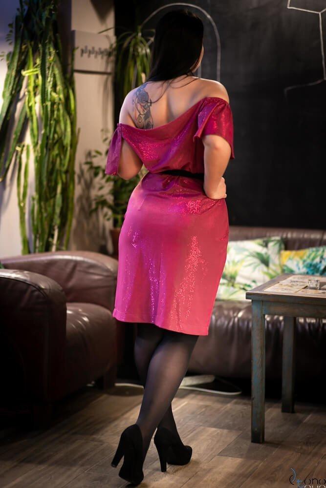 Różowa Sukienka MOLLY Plus Size