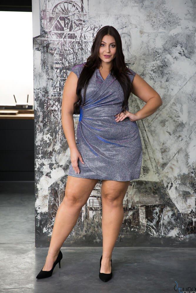 Srebrna Sukienka VENGA Plus Size