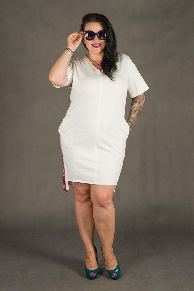 Biała Sukienka TAPE Plus Size