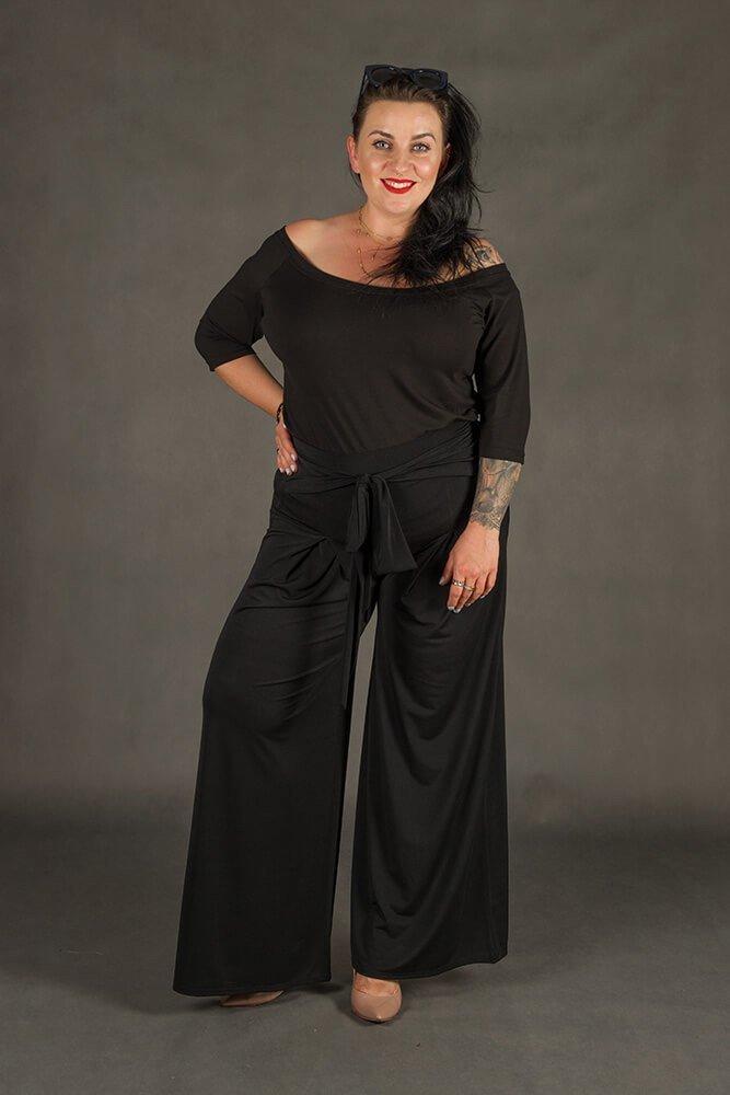 Czarne Spodnie damskie BACCIO Rozkloszowane Plus Size