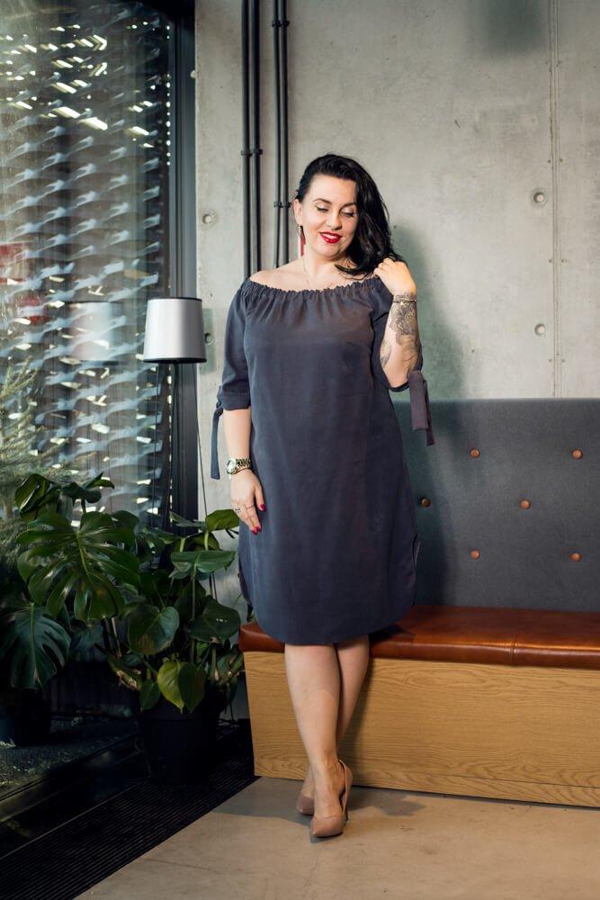 Granatowa Sukienka VALENCIA Hiszpanka Plus Size