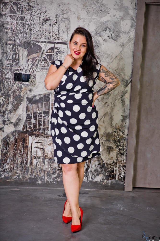 Granatowo-Biała Sukienka VENGA Plus Size