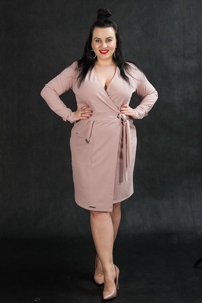 Różowa sukienka damska KIMBERLY kopertowa Size Plus